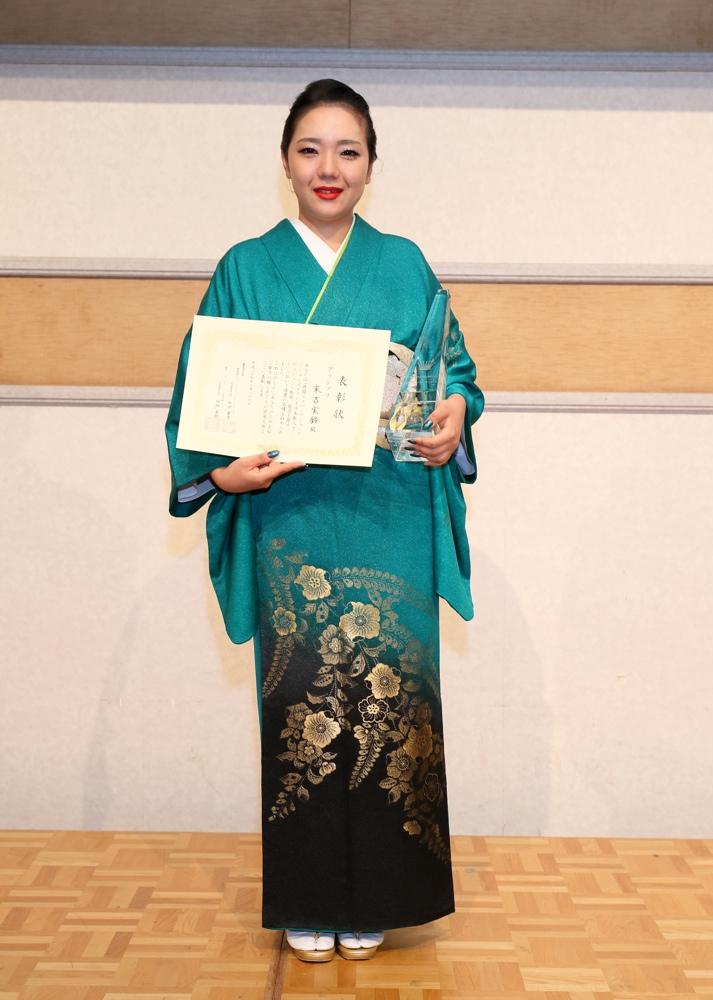 徳間ジャパン&ラジオ日本の演歌・歌謡曲オーディション、グランプリは和歌山在住の21歳