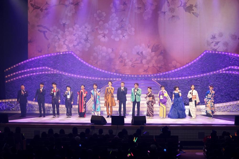 長良グループ「夜桜演歌まつり」に山川豊、田川寿美、水森かおり、氷川きよしら全11組出演