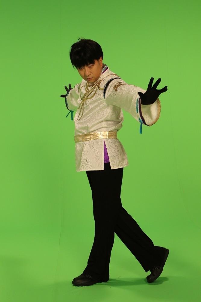 """細川たかし、日本を元気にする新曲ミュージックビデオで""""こぶしたかし""""と初共演"""