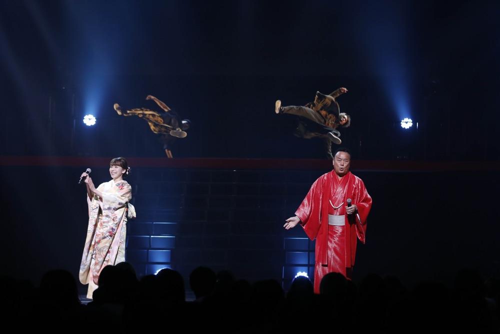 細川たかし&杜このみ、総勢100名のダンサーとコラボステージ