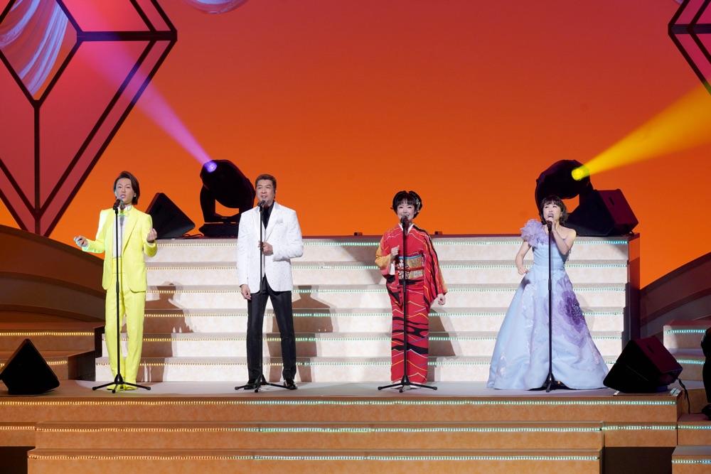 <長良グループ 新春豪華歌の祭典>で山川豊、田川寿美、水森かおり、氷川きよし、辰巳ゆうとが競演