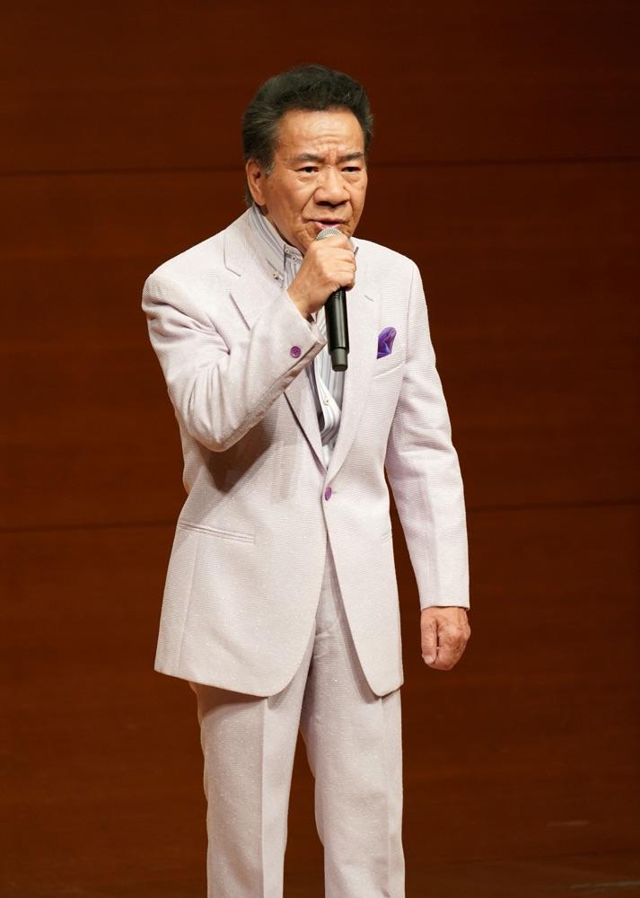 「大川栄策歌謡塾」主催のカラオケ発表会&大川栄策ショー開催
