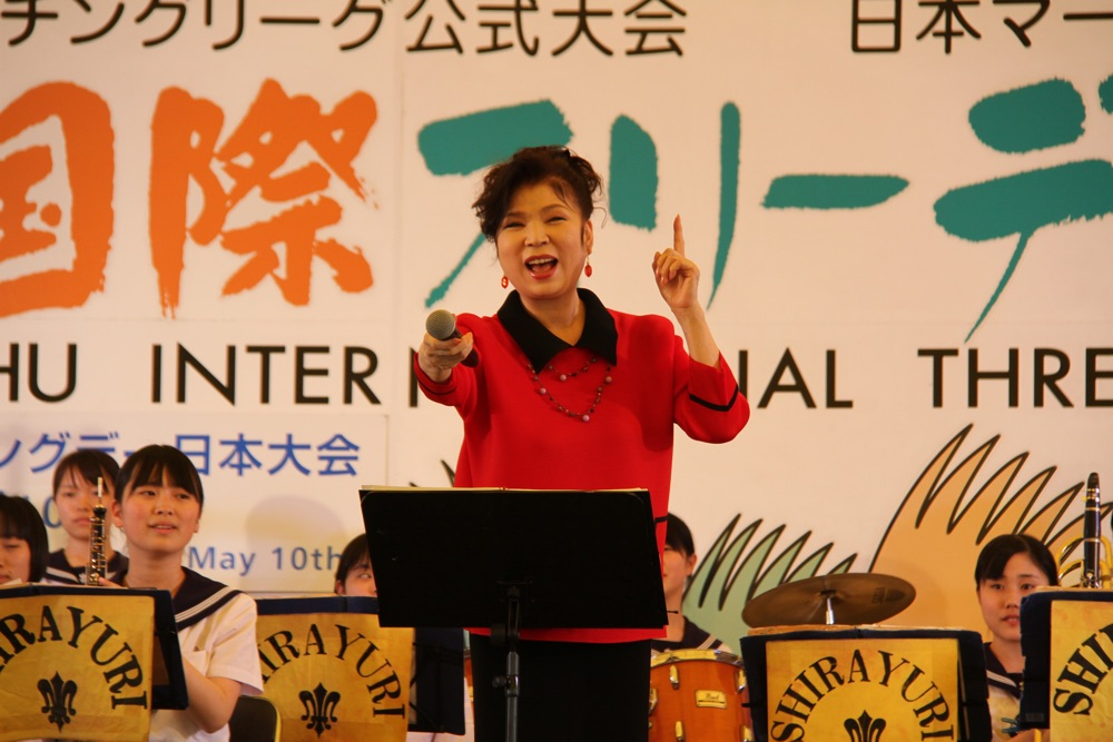 八代亜紀、「だいじょうぶ」を故郷熊本・八代にて高校生とコラボ歌唱&留学生との新バージョンMV完成