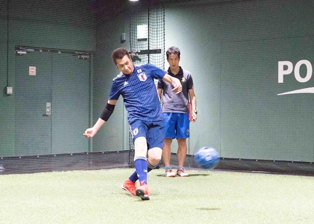 山川豊、「山川の日」にサッカー初挑戦&4kg減量に成功