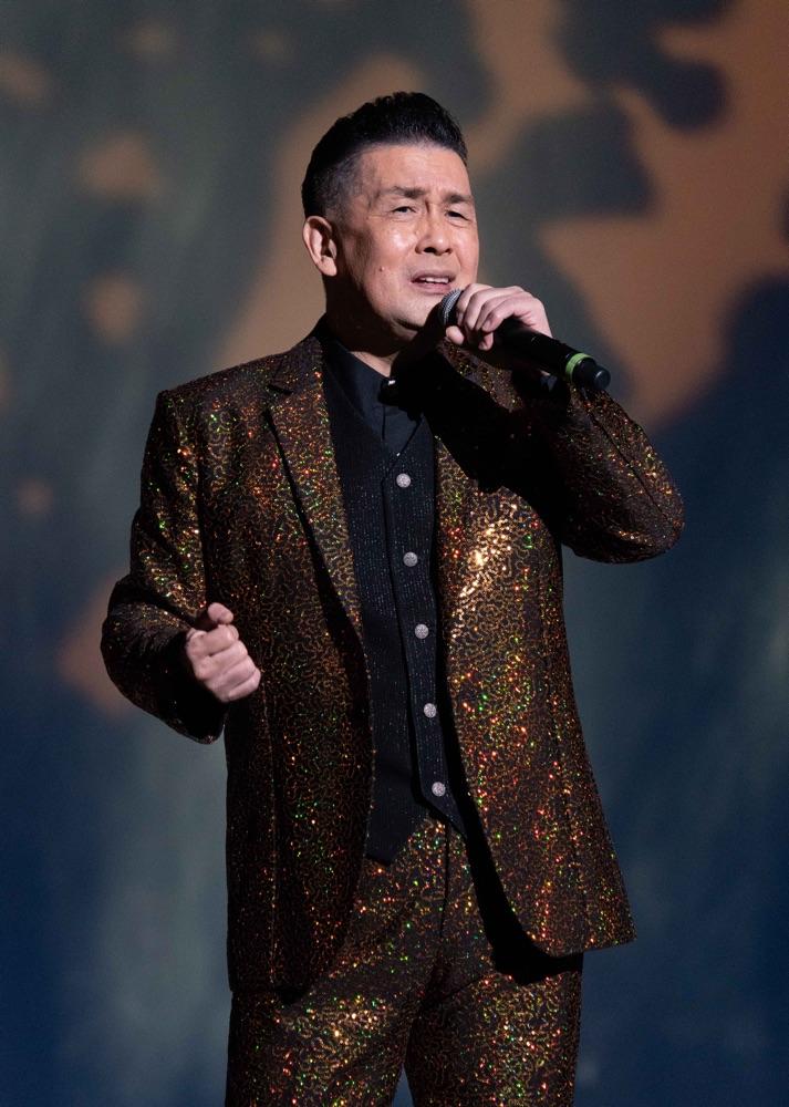 「キングレコード歌謡選手権全国決勝大会」グランドチャンピオン決定、角川博がゲスト出演