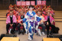 田川寿美が新曲発売記念イベント開催、ステージ上でヒット祈願